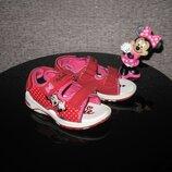 Красивейшие босоножки сандалии Disney Minnie Mouse р.25, 16см