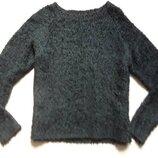 Пушистый изумрудный свитер
