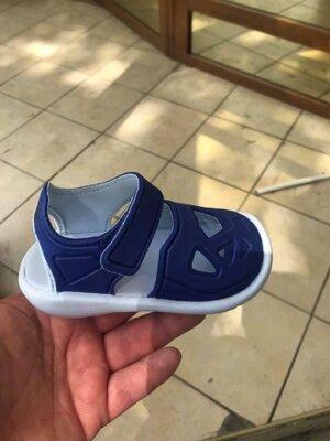Босоножки детские adidas р.22.р.23.р.27. оригінал