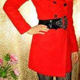 Фирменное пальто ZARA красное, красивое, интересный дизайн S/26 состояние нового