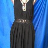 Платье нарядное с коротким рукавом