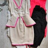 короткое миди нарядное бежевое белое платье с баской розовая полоска вырез декольте Celeb Boutique