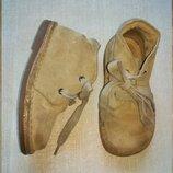 Ботинки натуральная замша. Ботинки подойдут как девочки так и мальчику. размер 24 по стельке 16 см