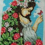 Вышитая картина Девушка и цветы