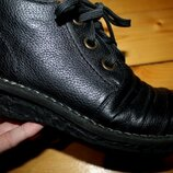 38 разм. Ботинки Rieker antistress. Кожа, внутри шерсть длина по внутренней стельке 24,5 см., ширин
