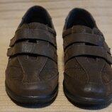 Легчайшие закрытые туфли-кроссовки цвета горького шоколада Cushion-Walk Англия 38 р.