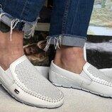 Мужские кожаные белые мокасины Tommy Hilfiger туфли перфорация.