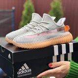 Кроссовки женские Adidas x Yeezy Boost, серый