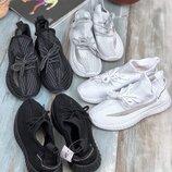 Женские кроссовки текстиль Adidas Yeezy
