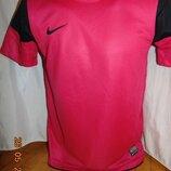 Спортивная фирменная футболка оригинал . Nike .10-14 .лет.xs