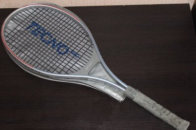 Продано: Теннисная ракетка