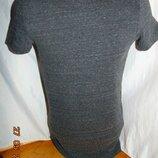 Катоновая стильная футболка бренд H&M .xs-s .унисекс .