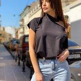 Блуза футболка с открытым плечем
