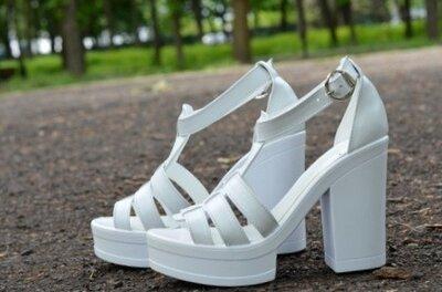Женские белые натуральные кожаные босоножки на широком каблуке из натуральной кожи натуральная кожа