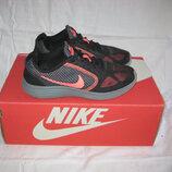Кроссовки Nike оригинал 36 размер по стельке 23,5 см.Кожа. Легенькие, мягкие , дышащие и очень удобн