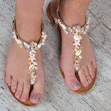 Сандалии женские босоножки с ракушками Shells золотистые