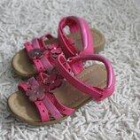 Розовые босоножки на девочку Young Dimension размер 8 на 26