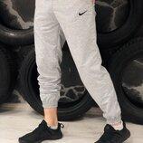Спортивные штаны серые Nike Найк