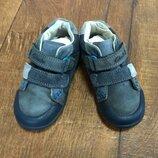 Ботинки кроссовки туфли clarks