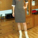 Трикотажное платье с белой отделкой