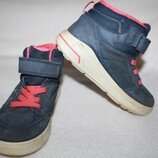 Ботинки термо фирмы Ecco 33 размера по стельке 21,5 см. вся стелька с загибом 22,5 см.