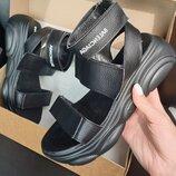 Женские чёрные натуральные кожаные босоножки сандалии на липучках спортивной чёрной подошве из кожи