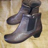 4.5-24 см кожа ботинки Gabor вся стелька 24 каблук 4.5 высота от пола 16 вшита резинка вверху 28 ле