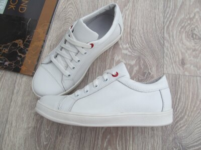 Белые кеды кожаные для девочки на шнурках 32--40размер