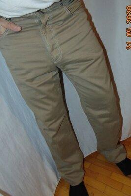 Стильние нарядние фирменние джинси брюки бренд Joker.л-хл .36-32