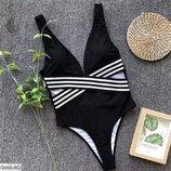 Модный стильный женский купальник