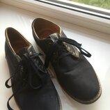 Темно синие удобные туфли