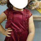 Нарядное фирменное атласное платье Ladybird на 2-3года