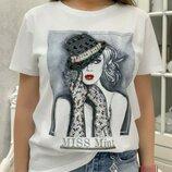 Стильная футболочка с паетками