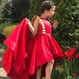 Красное платье со шлейфом 116