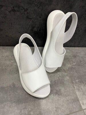 Женские белые натуральные кожаные босоножки сандалии из натуральной кожи натуральная кожа на белой