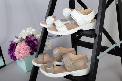Две расцветки женские спортивные босоножки сандалии на липучках на платформе из натуральной кожи