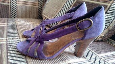 Кожаные босоножки на каблуке 38 размер