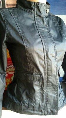 Куртка весна -осень 42-44р идеальное состояние привезена из за границы