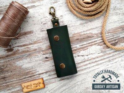 Ключница кожаная карманная зелёная, чехол для ключей на 4 карабина