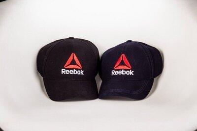 кепка Reebok черная 1589980355in