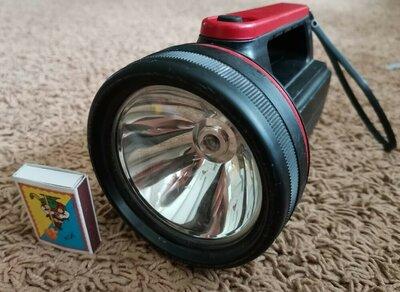 Фонарь фонарик переносной пластиковый