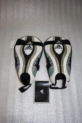 Футбольная защита щитки adidas team vuelo, m 8 размер