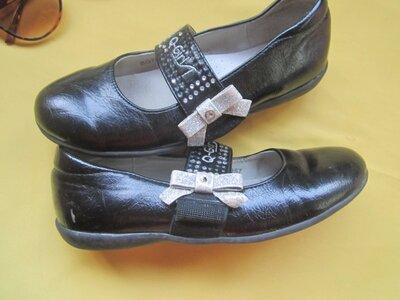 Кожаные лакированные туфли,балетки,р.33,B&G для дома...и не только