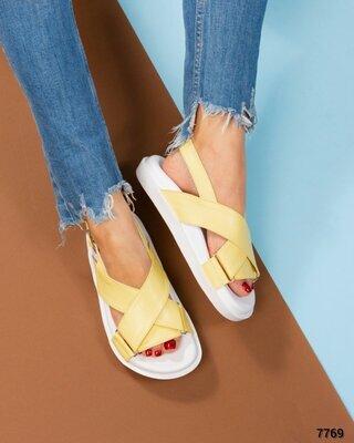 Код 7769 Модные сандалии Натуральная кожа Высота подошвы 3/2 см Размер в размер Цвет лимонный Разме
