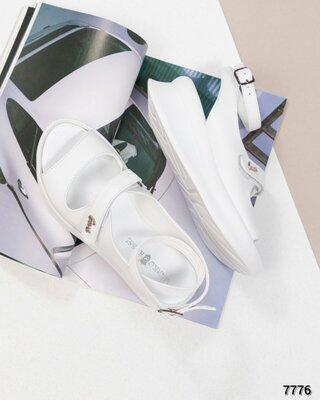 Код 7757 Модные сандалии Натуральная кожа с тиснением Высота подошвы 3/2.5 см Сверху застежки-липучк