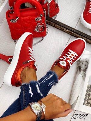 Женские натуральные кожаные замшевые пудровые белые голубые красные розовые кроссовки кеды криперы