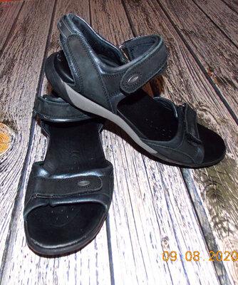 Кожаные босоножки Clarks для девушки, размер 39 24,5 см