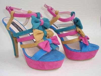 Распродажа / Босоножки яркие стильные на высоком каблуке женские р. 38