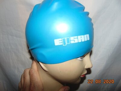 Спортивная фирменная шапочка шапка для плавания с-м-л -хл .унисекс .