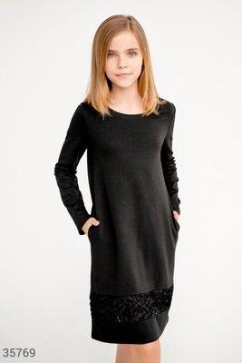 Строгое школьное платье черного цвета 122-146см.